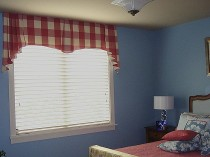 Sammamish Guest Bedroom Window Treatment 2