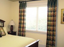 Sammamish Guest Bedroom Window Treatment 1